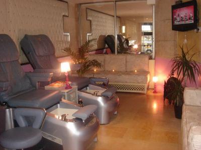 Salon de manucure spa institut prestige nails institut for Salon de manucure